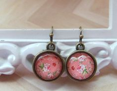 Handmade dangle earrings/Pink floral design earrings/Gifts for her/Vintage look/Antique brass/Glass cabochon/Glass…