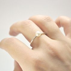 Simple pearl ring - pretty much the best ring (simple and beautiful! Pearl Ring Design, Jewelry Gifts, Jewelry Accessories, Pearl Jewelry, Pearl Rings, Jewlery, Pearl Bracelets, Pearl Necklaces, Women's Jewelry