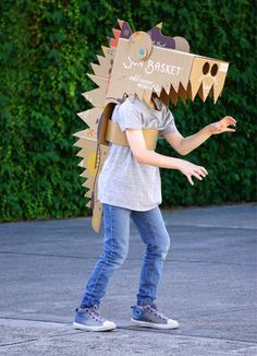 Once your Sun Basket delivery has been safely stowed in the kitchen, the fun can begin.The Sun Basket box is a fantastic resource for creative Makedo cardboard. Cardboard Costume, Cardboard Toys, Cardboard Crafts Kids, Dinosaur Crafts, Dinosaur Party, Diy Dinosaur Costume, Projects For Kids, Diy For Kids, Crafts For Kids