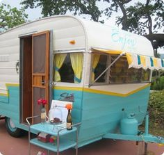 Vintage trailer as traveling storefront. This is exactly what #BluebirdGoods needs!!!!