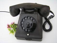 Vintage, oude, zwarte, TELEFOON van bakeliet - Hollands uit de jaren 50 van de PTT. by Dutch2like on Etsy