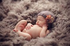 newborn pose and props