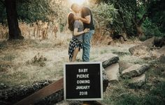 Letter board photography - All about ELLA - Pregnant Pregnancy Announcement Photography, Pregnancy Announcement Pictures, Baby Announcement To Parents, Creative Pregnancy Announcement, Maternity Photography, Baby Announcements, Couple Pregnancy Pictures, Pregnancy Advice, Couple Pregnancy Photoshoot