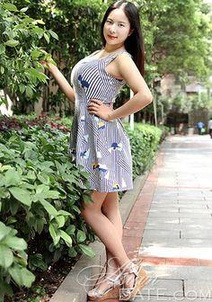 Centenas de mulheres deslumbrantes: bela mulher asiática Qiaoling