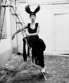 Isabelle Blow with Philip Treacy hat.