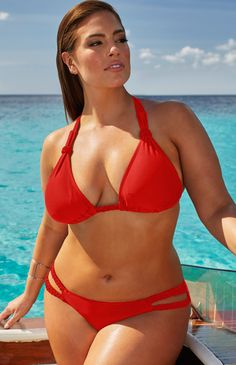 36aee11a6e8 A Curvy Girl s Guide to Bathing Suits