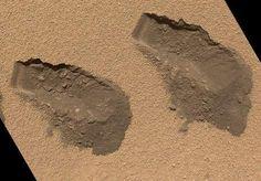 04/12/12 De derde (links) en vierde hap die de Curiosity in oktober uit de grond op Mars nam. De foto werd maandag vrijgegeven door de NASA.
