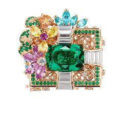 「ディオール」ヴェルサイユ宮殿の庭園が着想のハイジュエリー、瑞々しい草花をダイヤモンドやエメラルドで | ファッションプレス