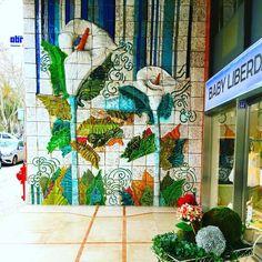 Painel cultural. Da beleza dos azulejos nas redondezas da nossa sede, na Avenida da Liberdade. #lisboa #azulejos