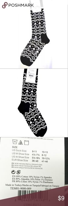 Men's Happy Socks Happy Socks Men's Crew Socks Geometric Print Size 10-13  I try my very best to capture the correct color/shade.  The actual shade may vary in person. 