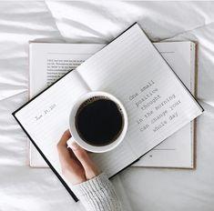 3 Appreciate Cool Tips: Starbucks Coffee Grounds coffee flatlay book. Photo Pour Instagram, Instagram Posts, Disney Instagram, Instagram Quotes, Flatlay Instagram, Coffee Shop, Coffee Cups, Coffee Coffee, Coffee Break