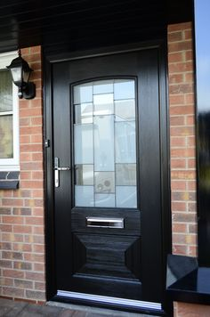The Rockdoor Portland is an amazing composite door for the back or side of the house. Elegent style combined with beautiful glass designs. Portland, Living, Composite Door, House Front, Glass Design, Front Doors, Composition, Around The Worlds, Home And Garden