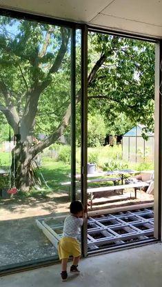 Rahmenlose Schiebetüren und Schiebefenster vereinen perfekt Design und Funktionalität. Minimalism, Windows, Design, Modern Conservatory, Slider Window, Window, Design Comics