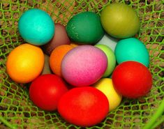 Dying brown eggs for richer colors
