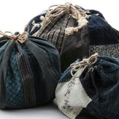 Three old komebukuro japanese rice offering bags Japanese Textiles, Japanese Fabric, Japanese Rice, Japanese Bags, Textile Fabrics, Textile Art, Shibori, Boro Stitching, Ethnic Bag