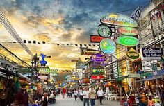 Khao San Road. Heard you either love it or hate it. Not sure mom would wanna pass by this area hmm..