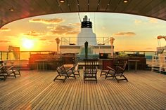 Oh to be on deck and watching the sun go down! Image @lindblad #lindblad #expeditions