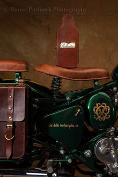 Old Delhi Motorcycles : Le Bécane Royale on Behance Royal Enfield Logo, Royal Enfield Classic 350cc, Royal Enfield Accessories, Bike Accessories, Enfield Motorcycle, Motorcycle Bike, Bullet Modified, Shubh Diwali, Bullet Bike Royal Enfield