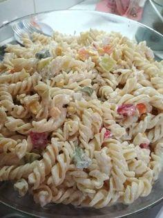 Κοτοσαλάτα με Τριβελάκι! 🥗 Corfu, Pasta Salad, Ethnic Recipes, Food, Crab Pasta Salad, Noodle Salads, Meals, Macaroni Salad