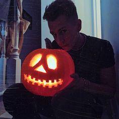 James The Vamps, British Boys, Juicy Fruit, Pumpkin Carving, Instagram, Fandoms, Shapes, Feelings, Art