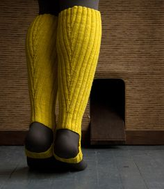 A Purl Soho Pattern: Loeffler Randall Rain Boot and Rain Bootie Stirrup Socks! - The Purl Bee - Knitting Crochet Sewing Embroidery Crafts Patterns and Ideas! Learn How To Knit, How To Purl Knit, Knit Purl, Craft Patterns, Knitting Patterns, Rain Boot Socks, Bootie Socks, Ankle Socks, Purl Bee