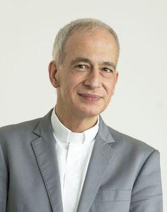 Die neue Stimme gegen Armut: Michael Landau trat erst spät der katholischen Kirche bei, umso bemerkenswerter ist seine Karriere. Am Mittwoch wurde er mit Zweidrittelmehrheit zum neuen Caritas-Präsidenten gewählt. Mehr zur Person hier: http://www.nachrichten.at/nachrichten/meinung/menschen/Michael-Landau-Die-neue-Stimme-gegen-Armut;art111731,1239514 (Bild: APA)