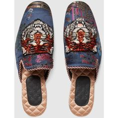 Gucci Jacquard Evening Slipper With Donald Duck ($1,690) ❤ liked on Polyvore featuring men's fashion, men's shoes, men's slippers, mens leather sole shoes, mens summer shoes, gucci mens shoes and gucci mens slippers #MensSlippers