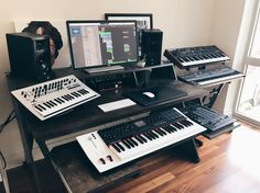 SPOTTED: Platform Desk In Your Studios | Output