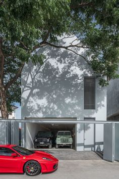 A glass-walled garage and courtyard form the focal point of Basic House, a residence by Brownhouses in Bangkok that is designed to be deliberately simple. Lan House, Small Attics, Studios Architecture, Narrow House, Attic Spaces, Ground Floor Plan, Japanese House, White Houses, Architect Design