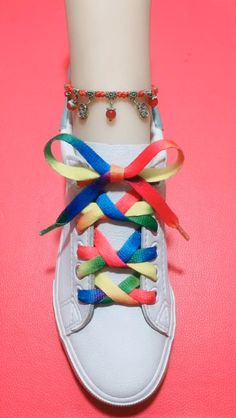 Ways To Lace Shoes, How To Tie Shoes, Diy Friendship Bracelets Patterns, Bracelet Patterns, Ways To Tie Shoelaces, Diy Resin Art, Glossy Hair, Cool Hairstyles For Men, Clothing Hacks