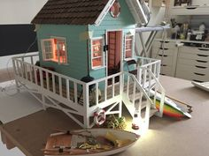 1:12 scale modern model houses: This and that...