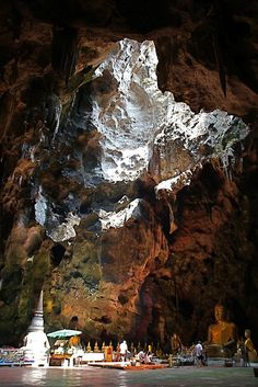 Khao Luang Cave Temple, Phetchaburi, Thailand - Phetchaburi is about 1 hour by road north of Hua Hin town , nearer from Cha Am - tours / trips available