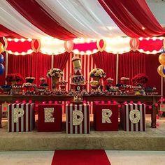 #Repost @corujiceventos: un espectacular circo vintage! #festacirco #festacircovintage #circovintage #circusparty #partyidea #partyideas #partydecor #partydecoration #partykids #kidsparty #fiestainfantil #fiestasinfantiles #like #redparty Carnival Party Foods, Carnival Birthday Parties, Carnival Themes, Circus Birthday, First Birthday Parties, Birthday Party Themes, Circus Party Decorations, Circus Theme Party, Circus Wedding
