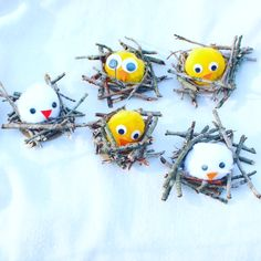 Little birds and sticks Bunny Crafts, Easter Crafts For Kids, Diy For Kids, Preschool Art, Craft Activities For Kids, Spring Crafts, Holiday Crafts, Creative Crafts, Diy And Crafts