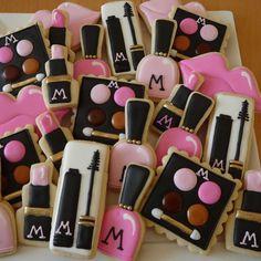 Make Up Cookies Spa Cookies, Iced Cookies, Cute Cookies, Cupcake Cookies, Cupcakes, Cookie Icing, Royal Icing Cookies, Spa Party Foods, Cookie Designs