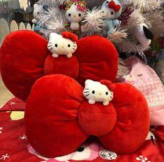 Hello Kitty #bow headbands (๑>◡<๑) Hello Kitty Bow, Sanrio Hello Kitty, Bow Headbands, Holiday Pictures, Around The Corner, Household, Bows, Throw Pillows, Holidays
