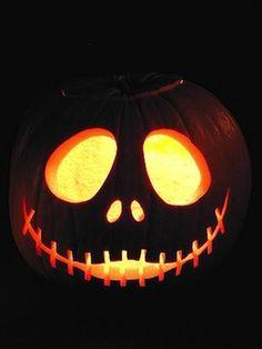 Secondo il calendario in uso presso le popolazioni celtiche, l'anno iniziava il primo novembre, giorno che coincideva con la fine della stagione calda, celebrata la notte del 31 ottobre, con la festa di Samhain: per un popolo fondamentalmente agri...
