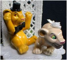 Omg I would LOvE to have that as my cake topper for my wedding! When I Get Married, I Got Married, Disney Wedding Cake Toppers, Wedding Cakes, Lion King Wedding, Chocolate Stars, Simba And Nala, Star Wedding, Disney Theme