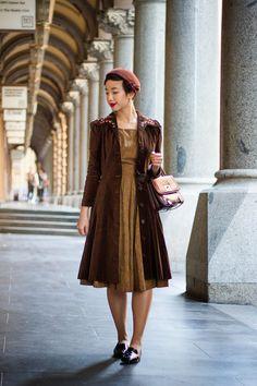 Vintage winter outfit NoraFinds | Vintage Blog Vintage Blogger Sydney | Brown City