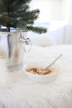 Homevialaura | This is the season | table christmas tree in champagne cooler | rice porridge