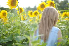 Totally me when the sunflowers bloom at my parents house. Sunflower Field Photography, Sunflower Fields, Learn To Paint, Senior Photos, Country Girls, Sunflowers, Just Love, Make Me Smile, Find Image