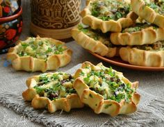 Russian Cakes, Baking Recipes, Healthy Recipes, Mini Pies, Russian Recipes, Food To Make, Healthy Living, Food And Drink, Appetizers