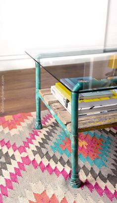 Step-by-step tutorial on how to make this useful and pretty diy coffee. This DIY coffee table, made with copper pipes is perfect for giving an industrial touch to your lounge. Check it out!
