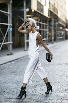 KOKO in New York + all white outfit with black accessories + casual street style + outfit isnspo