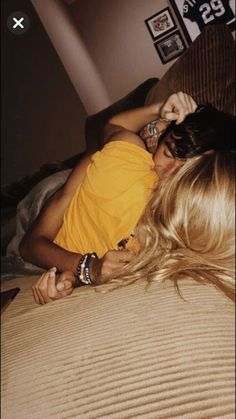 Be touching Of These 36 Cute And Romantic Teenage Relationship Goals - YoGoodLife Couple Goals Cuddling, Cute Couples Cuddling, Cuddling Quotes, Romantic Couples On Bed, Cute Couple Sleeping, Couples Sleeping Together, Cute Couples Kissing, Teen Couples, Couple Photography