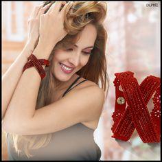 Pulsera roja de moda. Combina con cualquier look. Dupree Crown, Fashion, Vibrant Hair Colors, Seasons, Bangle Bracelets, Moda, Corona, Fashion Styles, Fashion Illustrations