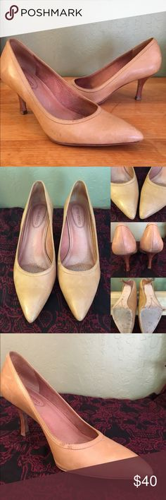 """Corso Como classic tan leather pumps Timeless style tan leather pumps with 2 3/4"""" stacked wooden heel. Made in Brazil. Pre-loved condition, see photos for marks on right back and outer edge. This brand is known for comfort and quality. Cushioned footbed, soft leather lining, and brand distinguishing rhinestone. Purchased new from Nordstrom. Corso Como Shoes Heels"""