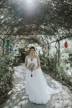 Chic Bridal Gown | Photo: Erwin Leyros