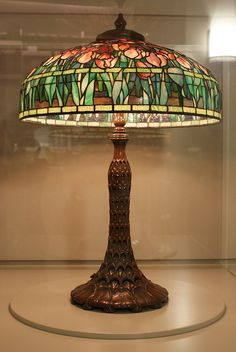 Pink tulip Tiffany lamp
