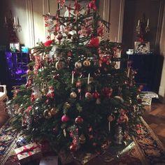 Caroline Fleming (official) @carolineflemingofficial Så er juletræet p...Instagram photo | Websta (Webstagram)